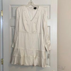 NWT SIZE LARGE/10 BARDOT IVORY FIT AND FLARE DRESS